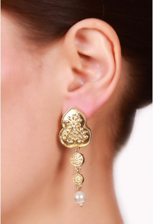 Leaf motif gold plated earring with white pearl