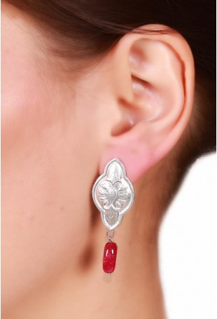 Silver round & drop motif earring with ruby red stone