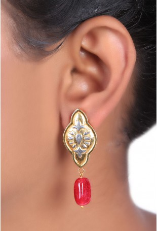 Mughal motif earring with red onyx