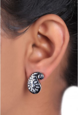 Silver paisley leaf earring